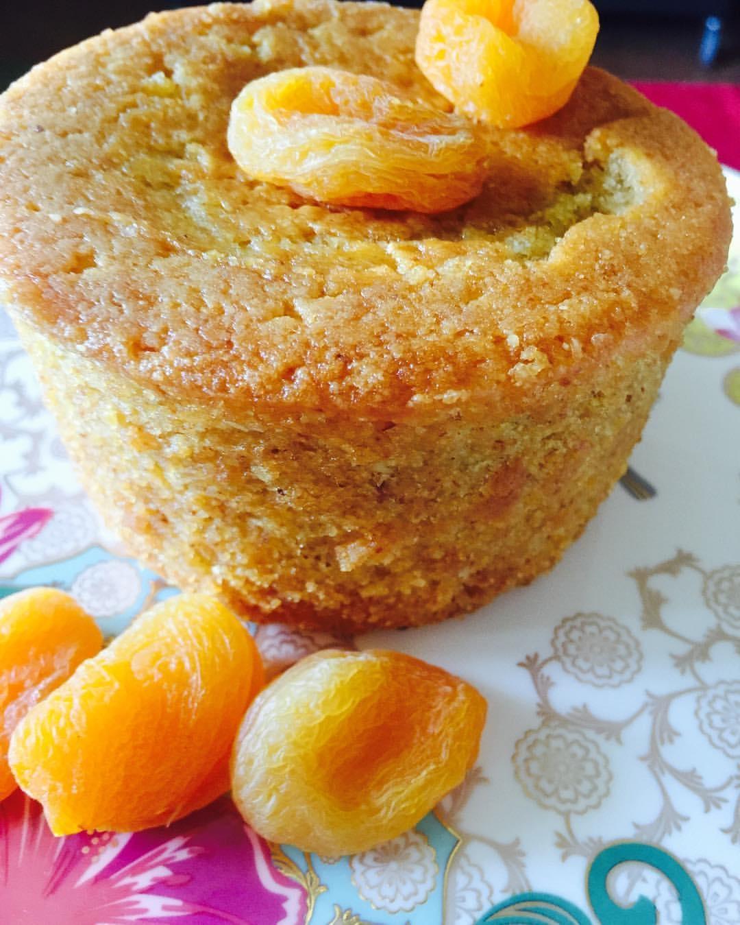Apricot Almond Semolina Cake