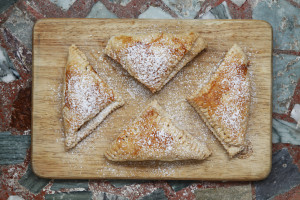 Easy Apple, Honey and Cinnamon Turnovers