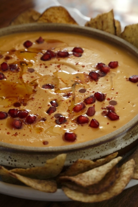 FLAME ROASTED RED PEPPER  HUMMUS WITH POMEGRANATE