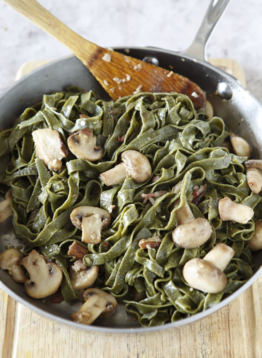 Spinach Fettuccine with Mushrooms and Garlic| Photo by Binaifer Barucha
