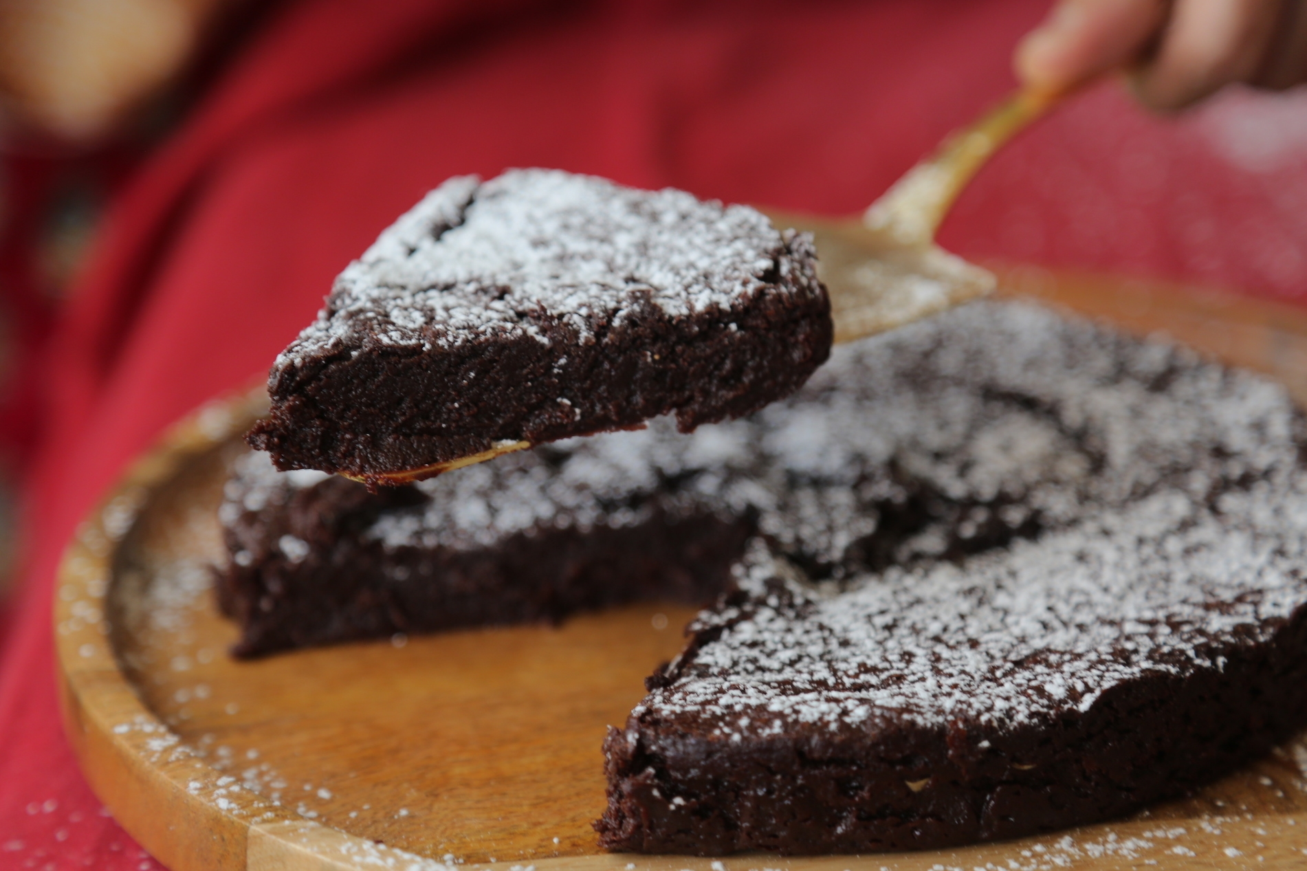Flourless Chocolate Cake with Chocolate Chips