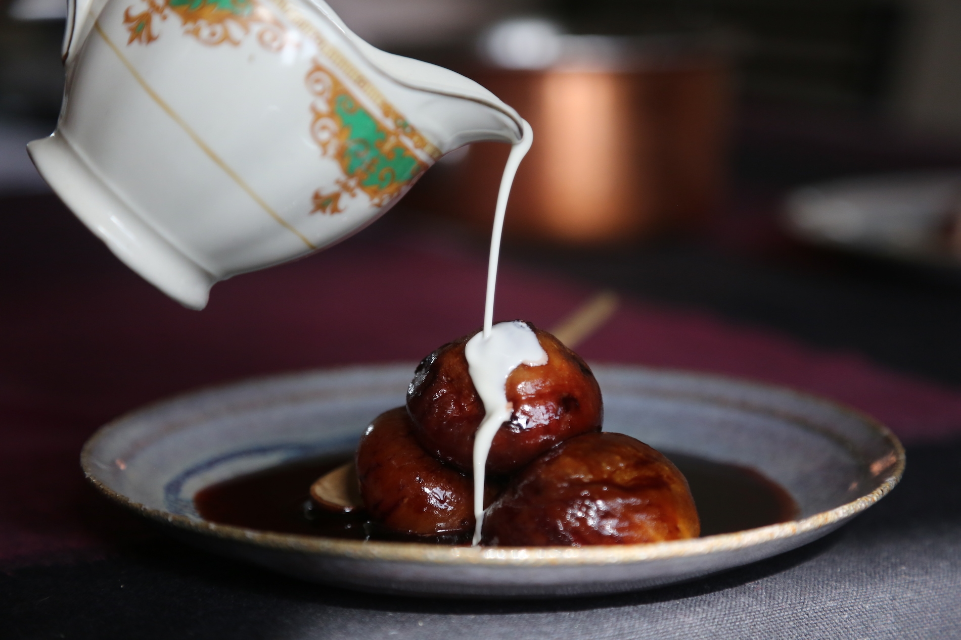 POACHED FIGS WITH SPICES